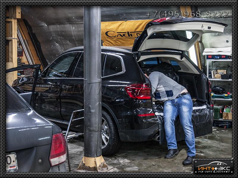 BMW X3 G01 сабвуфер Стелс 2..jpg
